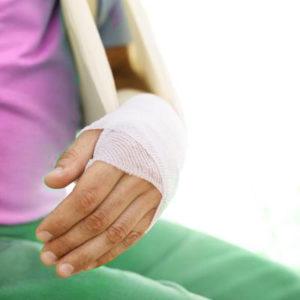 гипс при переломе запястья