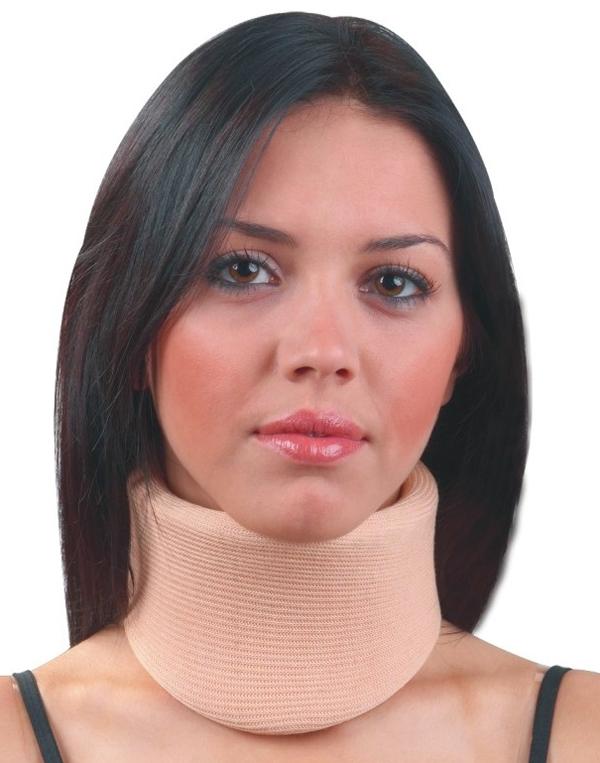При переломе шеи что одевают